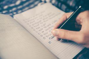 ノートに100夢リストを書いている